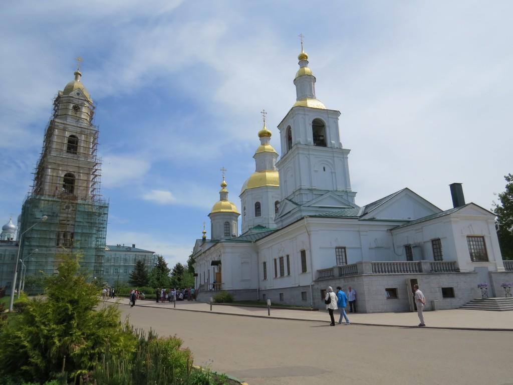 Казанский собор и колокольня в Свято-Троицком Серафимо-Дивеевском монастыре (Дивеево)