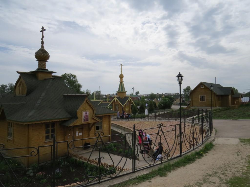 Часть панорамы Казанского источника в Дивеево